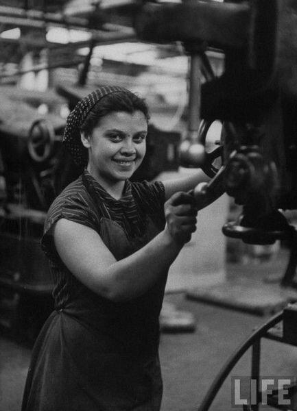 Прекрасные женщины из прошлого (36 фото)