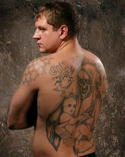 Александр Емельяненко сидел в тюрьме (9 фото + текст)