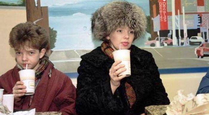 Первый Макдоналдс в СССР (10 фото + 1 видео)