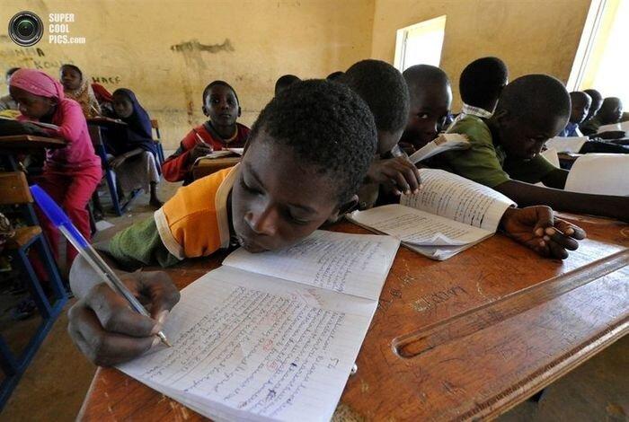 Возобновление школьных занятий в малийском Гао (4 фото)