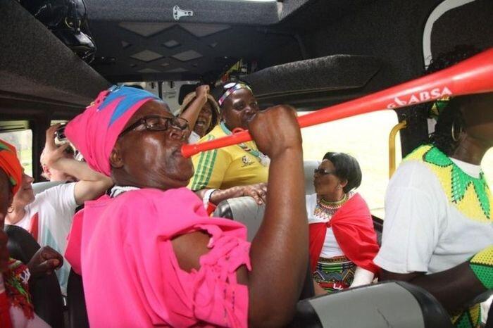 Футбольные бабушки из ЮАР (29 фото + 3 видео)