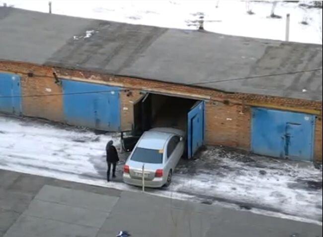 Как правильно заехать в гараж (видеоинструкция)