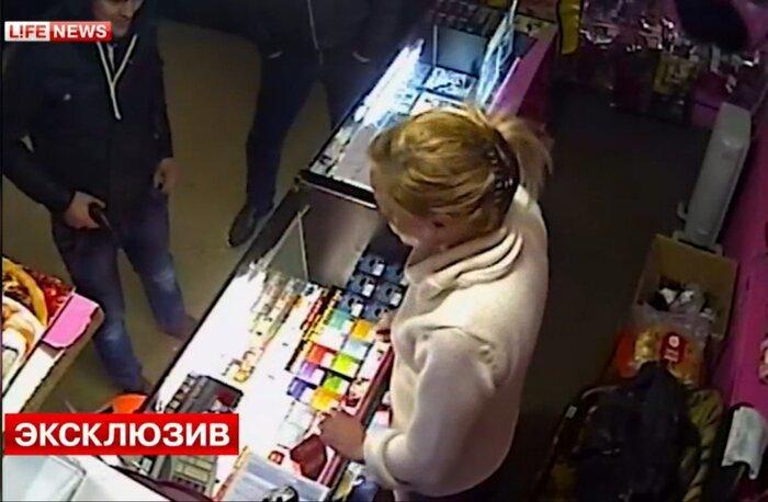 В Санкт-Петербурге ограбили секс-шоп (1 видео)
