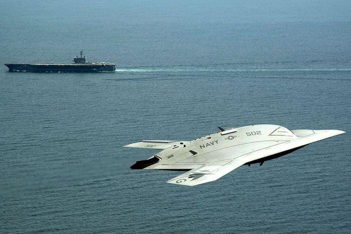 Первый беспилотник ВМС США (12 фото + 2 видео)