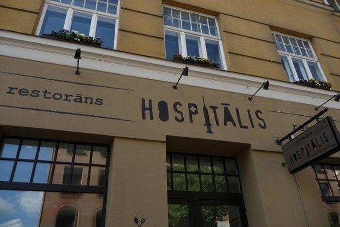 Очень необычный ресторан в Риге (13 фото)