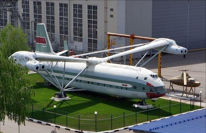 Музей-вертолет В-12 (22 фото)