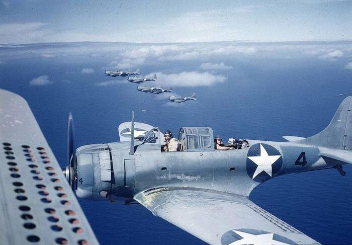 Эскадрилья, базировавшаяся на атолле Мидуэй (16 фото)