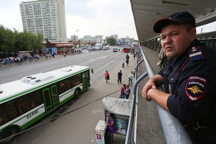 Начались первые попытки разогнать гадюшник в Выхино (14 фото)
