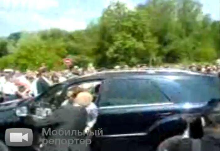 У джипа Медведева не сработали тормоза (видео)
