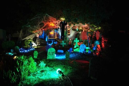 Awesome Halloween Yard Decorations