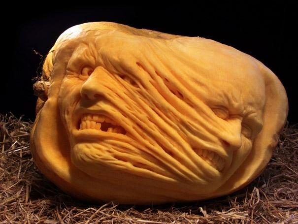 Hyperrealistic Pumpkin Carving