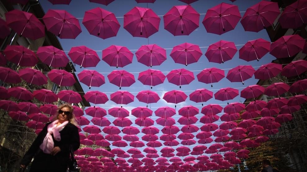 400 Pink Umbrellas