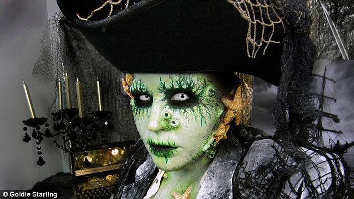 Stunning Makeup for Halloween