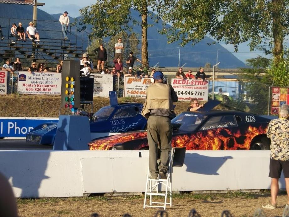Dangerous, Dirty, Daring: Cars and Females от Veggie за 29 oct 2012