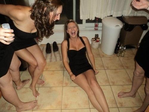 Fun loving girls are hot  от Veggie за 01 nov 2012
