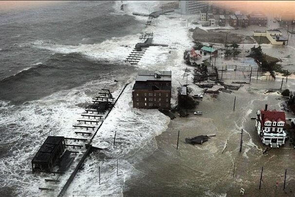 Then and Now: A Tribute to the Atlantic City Boardwalk от Kaye за 01 nov 2012