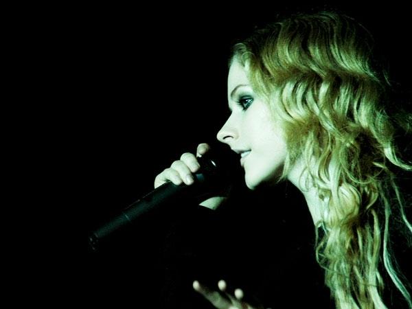Superb Avril Lavigne Pictures