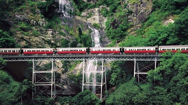 Most Amazing Train Routes Across The World от Veggie за 20 nov 2012