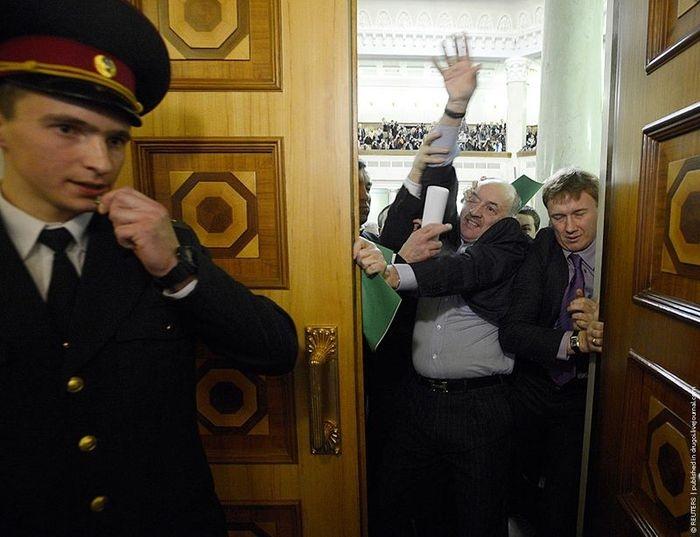 Battles in the Ukrainian Parliament