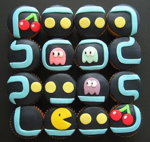 10 Geek-tastic Birthday Cakes!