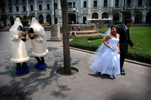Funny and bizarre wedding photos