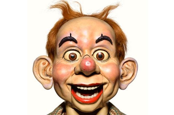 Creepy Close-Up Portraits Of Retired Ventriloquist Dummies