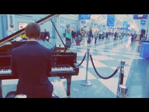 Airport Pianist Plays the Internet's Greatest Hits