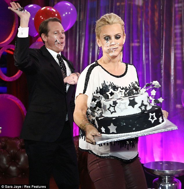 Jenny McCarthy's Cake Fight