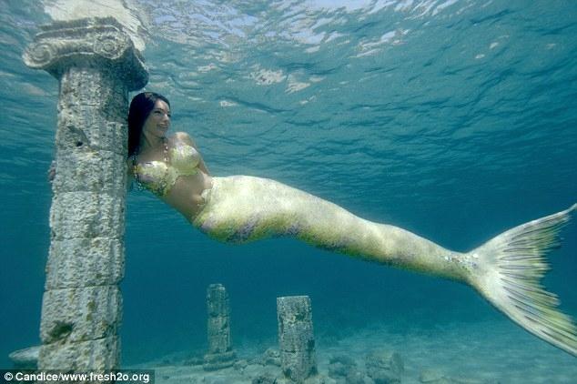 Kelly Brook Poses under Water in Mermaid Costume