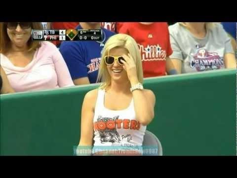 Hooters Ballgirl = Fail (video)