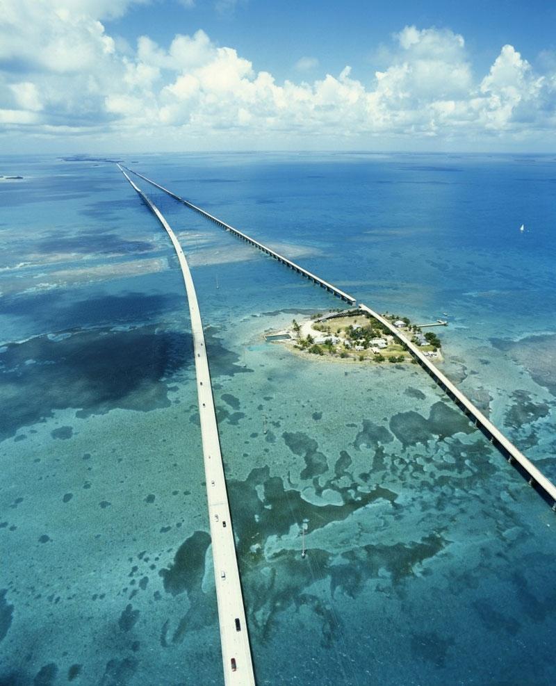 12 Breathtaking Roads Around The World.