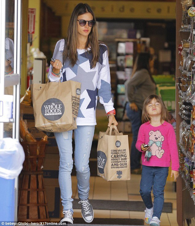Alessandra Ambrosio's Daughter doesn't like shopping!
