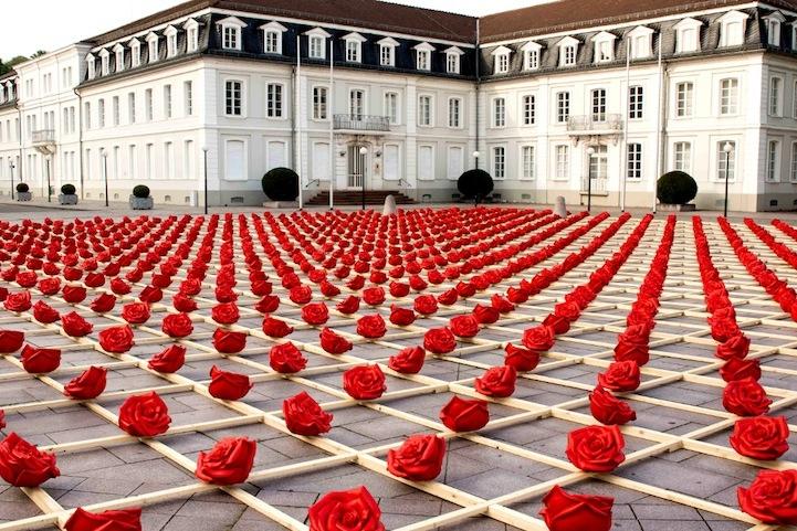 Stunning Symmetrical Display of 1,000 Plastic Roses