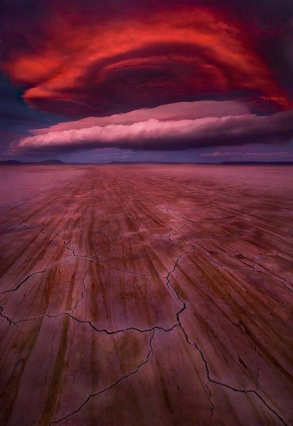 Dramatic Shots of Lenticular Clouds
