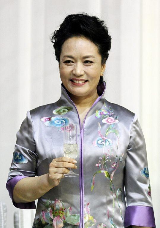 China's Glamorous First Lady Peng Liyuan