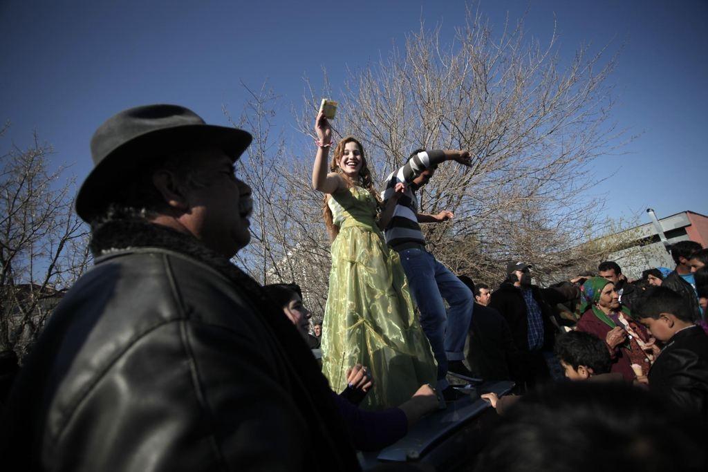 Roma Bridal Market - Searching For Love At The Gypsy Bridal Fair