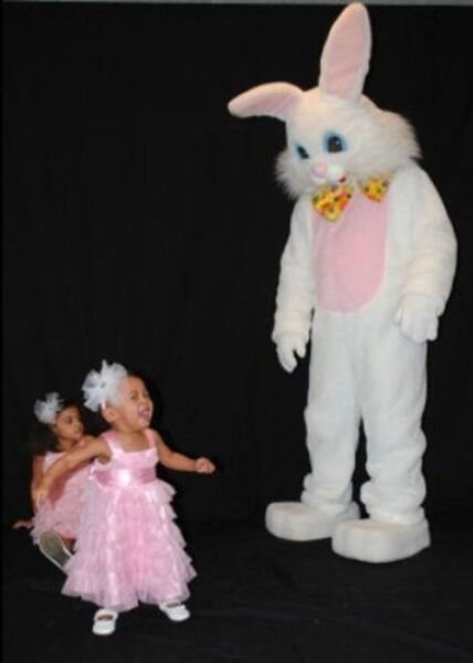 Easter Photos That Are So Awkward It Makes Them Hilarious