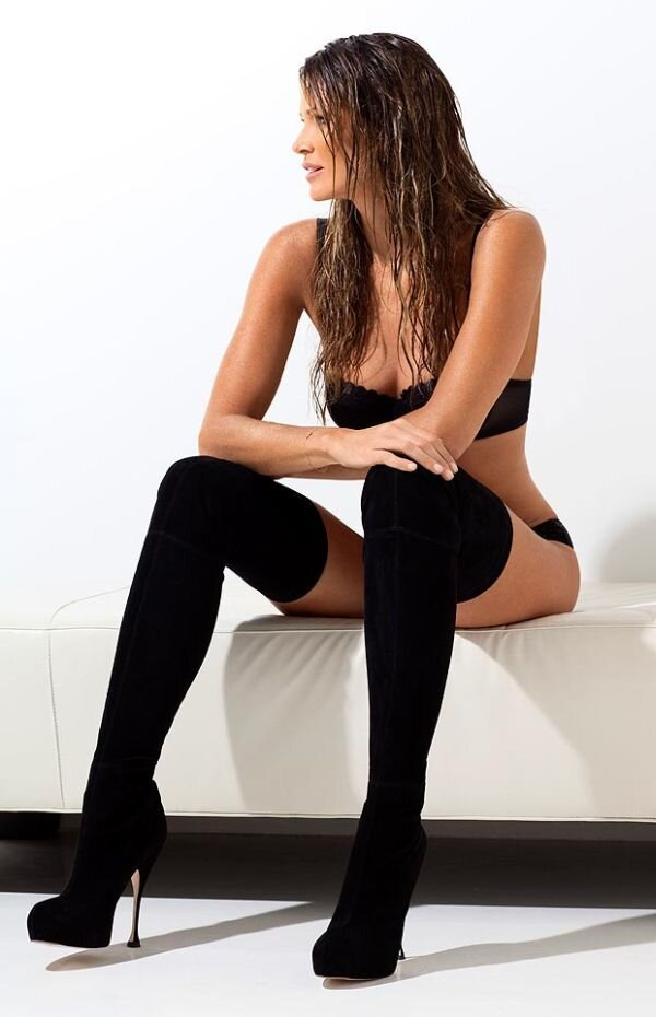 Elle Macpherson Turned 50 and Still Looks Great