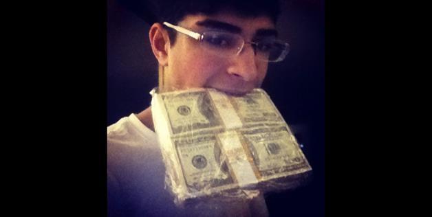 17 Year Old Rich Troll Annoying The Internet