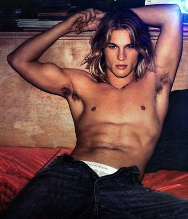 Hot Calvin Klein Model Travis Fimmel Then and Now