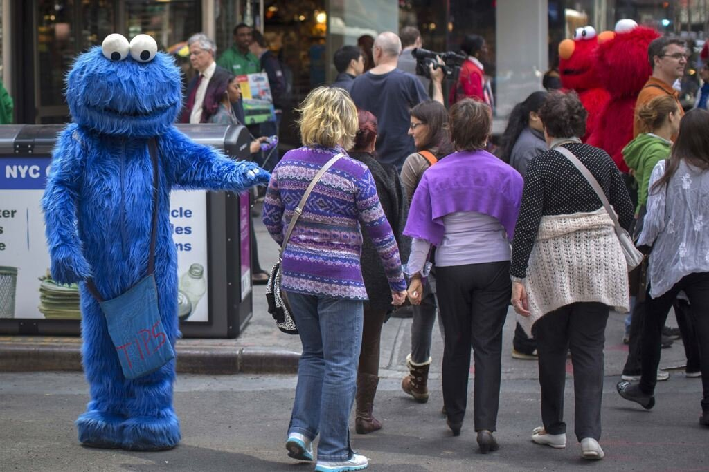 Elmo, Cookie Monster In Trouble In NYC