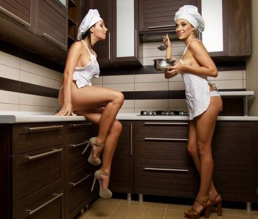 Sexy In The Kitchen: What Is Better Than A Housewife? Nothing!