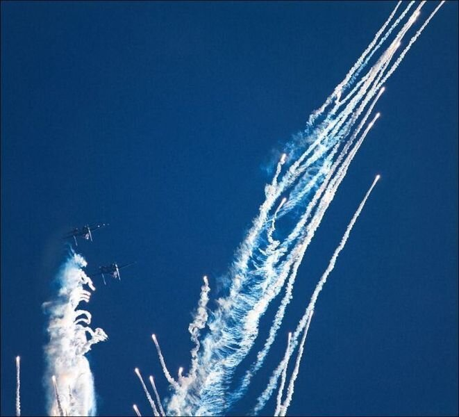 Russian Knights have drawn an Angel in the Sky