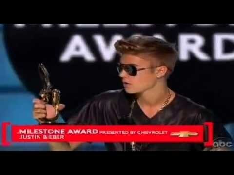 Justin Bieber Gets Booed, Asks for Respect During Billboard Awards