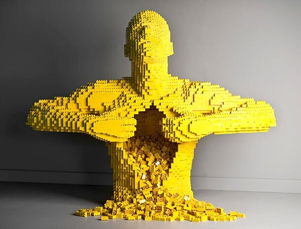 Stylish And Awe-Inspiring Sculptures Made From LEGO