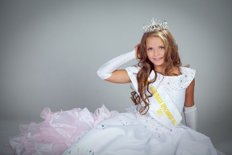 """Little Miss Planet 2013"" - Russian girl ..."