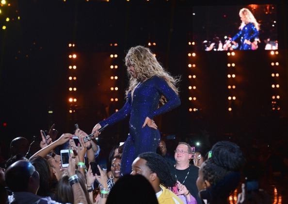 Beyoncé Tells Concertgoer To 'Put That Damn Camera Down'