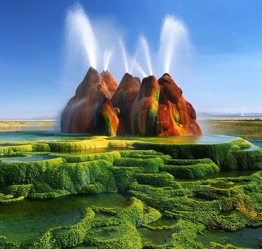 Incredible Fly Geyser in Nevada Created Purely by Accident