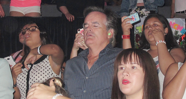 Hilarious Images Of Dads Dragged To One Direction Concerts