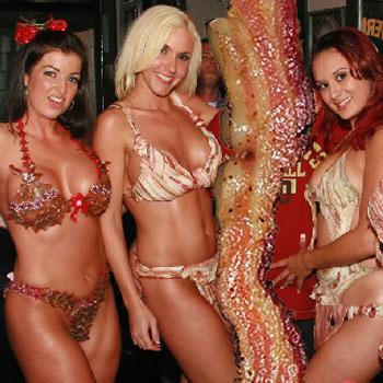 12 Pics: Tits n Lady's Bacon Bits.